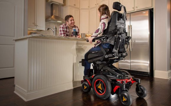 How Physical Therapists Help You Obtain a Customized Wheelchair